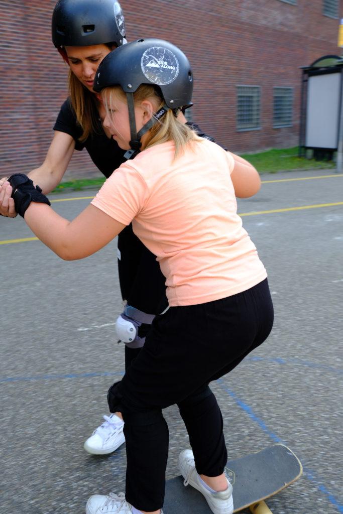Good Days impact day Dr. de Visserschool en Rietvink Ride Along skate clinic (4)