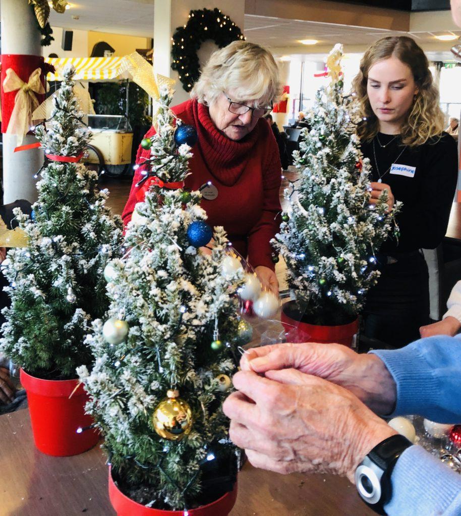Good Days -stichd kerstboompjes bij Noorderkroon (14)